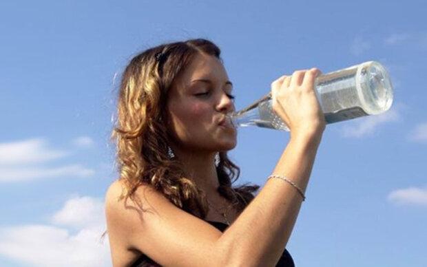 Warum Wasser trinken so gesund ist