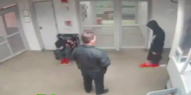Justin Bieber torkelt auf Polizeistation