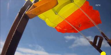 Meteorit verfehlt Fallschirmspringer