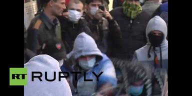 Prorussische Demonstranten besetzen ukrainisches Regierungsgebäude