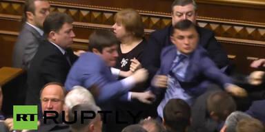 Schlägerei in Parlament