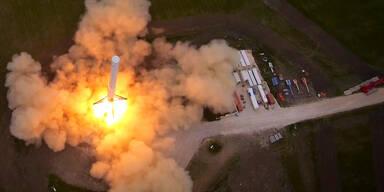 SpaceX- Rakete landet wieder auf Startbasis