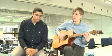 "Andreas Bourani singt ""Auf uns"""
