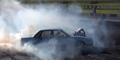 Autolack beginnt fast zu  brennen