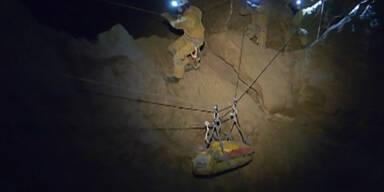 Bergung des Höhlenforschers in der Riesending-Höhle