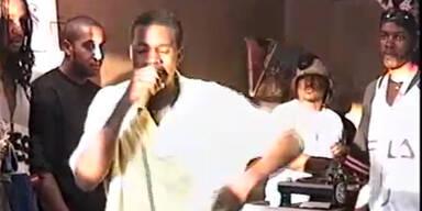 Dieses Video zeigt Kanye West mit 19