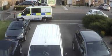 Polizei rammt Zivilfahrzeug