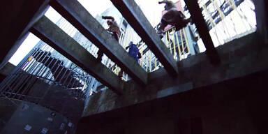 Gefährliche Sprünge über Dächer