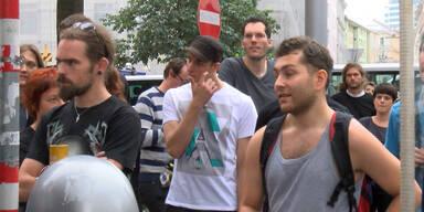 Punks beschimpfen Polizei-Pressesprecher