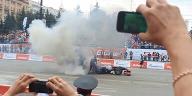 Vettel-Bolide geht in Flammen auf