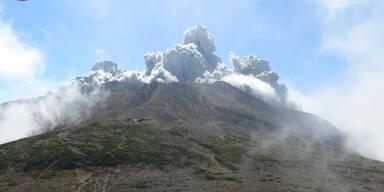 Japan: Vulkan bricht aus