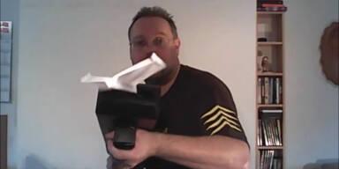 Papierflieger aus der Pistole