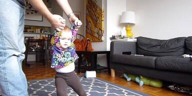 Baby lernt im Zeitraffer gehen
