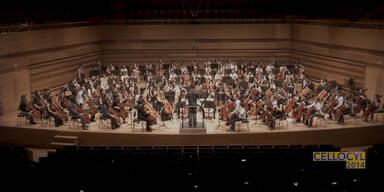 Cello-Orchester performt Serien-hit