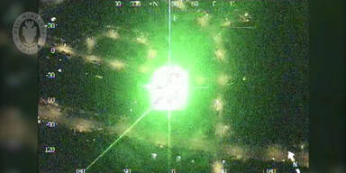 Polizei-Hubschrauber jagt Verbrecher