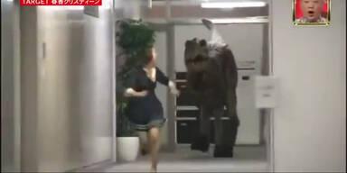 Dinosaurier-Streich in japanischer Show