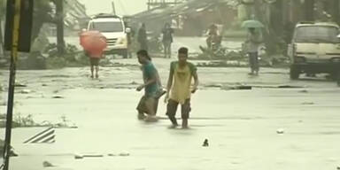 Taifun tobt über die Philippinen