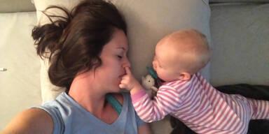 Neben einem Baby schlafen? Unmöglich