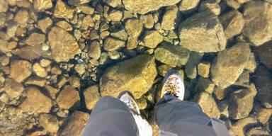 Spaziergang auf gefrorenem See