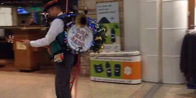 One Man Band spielt Weihnachts-Hits