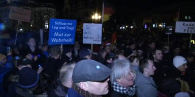 Zehnte Pegida-Kundgebung