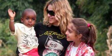 Madonna ist endlich offiziell Davids Mama