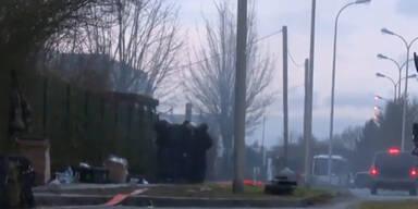 Neue Videos: Polizei tötet Attentäter