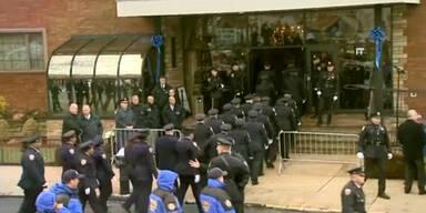 Erschossener Polizist beerdigt