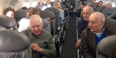 Quartett verkürzt Wartezeit im Flugzeug