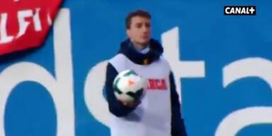 Ronaldo von Ballbuben gedisst