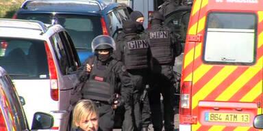 Kalaschnikow-Angriff auf Polizisten