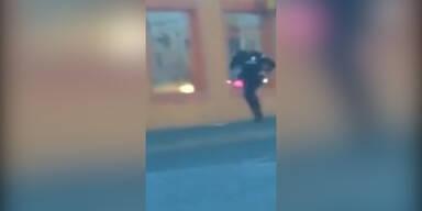 Polizisten erschießen Flüchtenden
