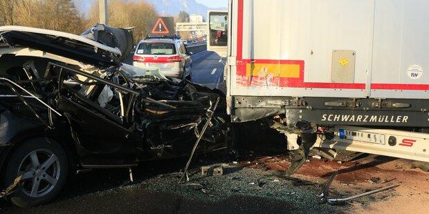 Autofahrer bleibt bei Horrorcrash unverletzt