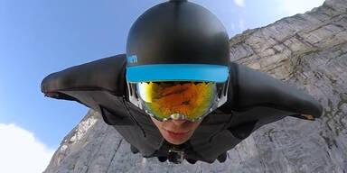 Irrer Wingsuit-Flug in der Schweiz