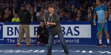 Balljunge punktet gegen Roger Federer
