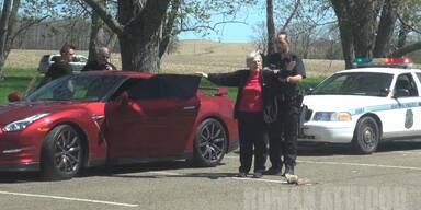 Gestohlenes Auto: Oma wird verhaftet