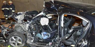 Crash fordert einen Toten auf A9