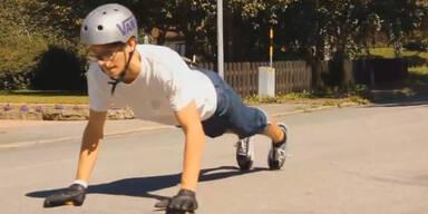 Skater macht perfekte Sturz-Landung