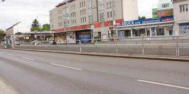 Wagramerstraße - Bodenplatten?