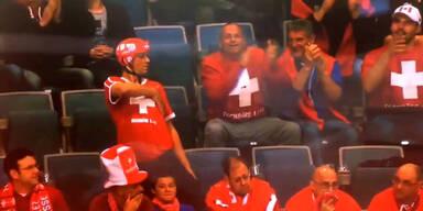 """Schweizer """"Tanzbär"""" bei Eishockey-WM"""