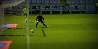 Torino-Goalie legt sich selbst ein Ei