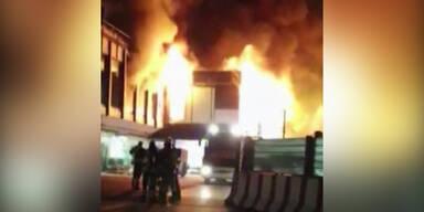 So heftig brannte der Flughafen in Rom