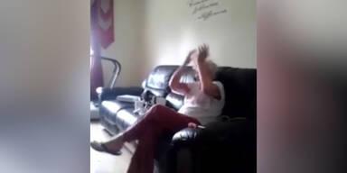 Frau dreht durch weil sie Oma wird