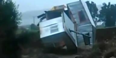 Zerstörte Häuser wegen Hochwasser