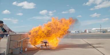 Öl-Explosion in Zeitlupe