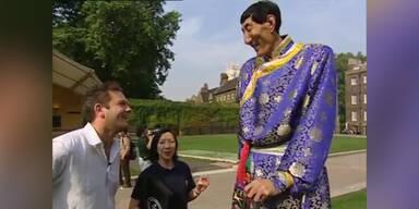 Dieser Mann ist 2,36m