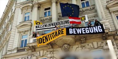Identitäre besetzen EU-Agentur in Wien