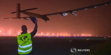 Zwischenlandung von Solarflugzeug