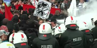 G7-Gegner treffen auf Polizei
