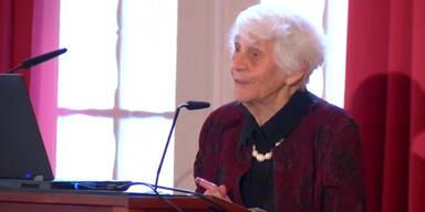 Doktorwürde für 102-Jährige